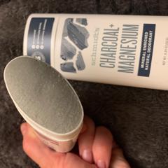 Schmidt's Naturals, Natural Deodorant, Charcoal + Magnesium, 3.25 oz (92 g) - customer photo 1
