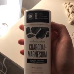 Schmidt's Naturals, Natural Deodorant, Charcoal + Magnesium, 3.25 oz (92 g) - customer photo 5