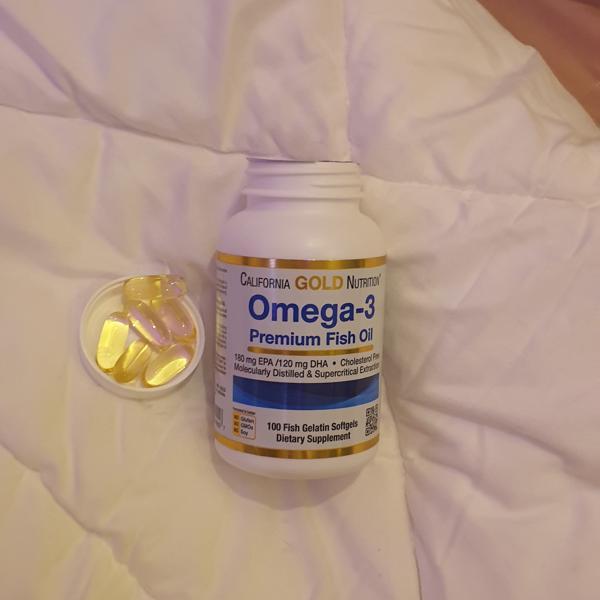 زيت السمك اوميجا-٣ من اي هيرب